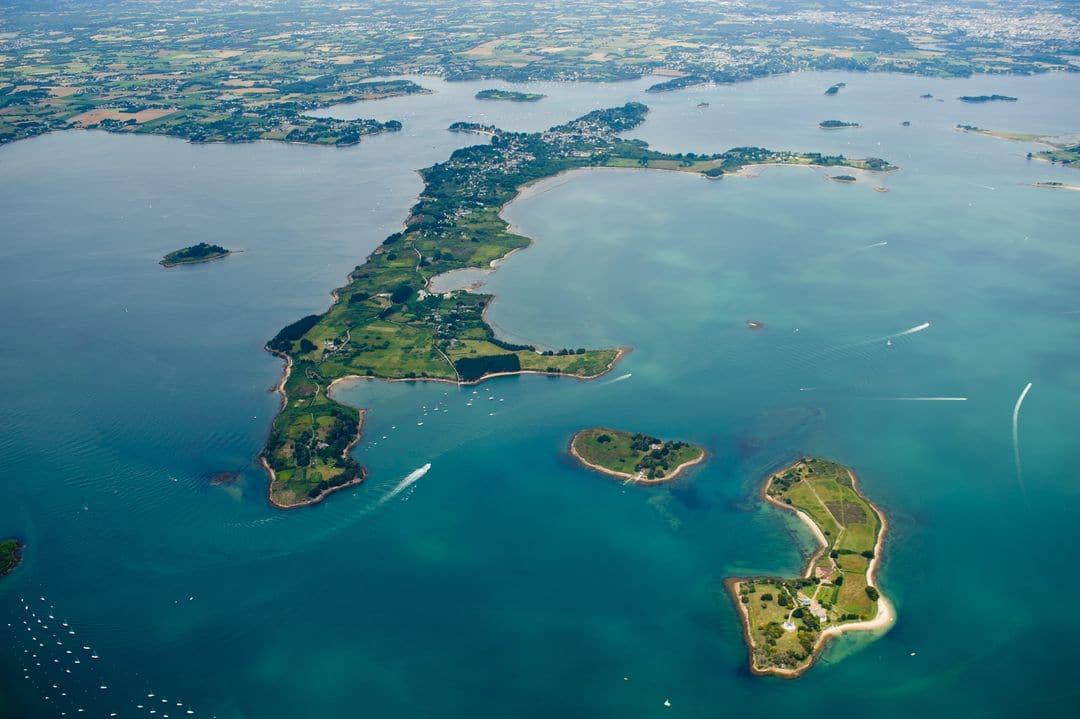 vue en drone du l' île-aux-moines - 2